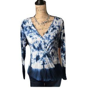 Rock & republic blue/white tie dye Lon sleeve top
